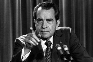 ریچارد نیکسون و تغییر قوانی پول
